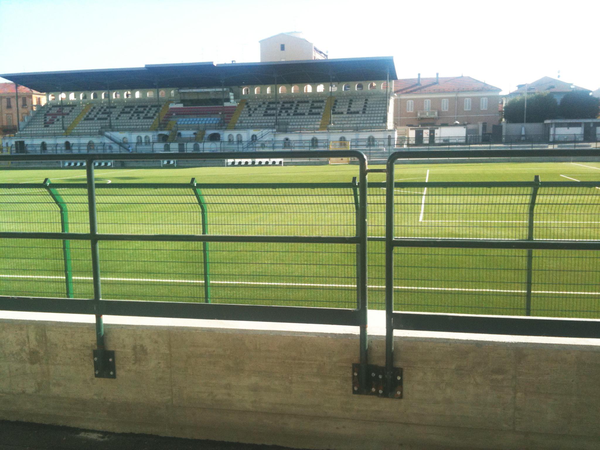 Lo stadio Piola, dove disputa le partite la prima squadra della Pro Vercelli