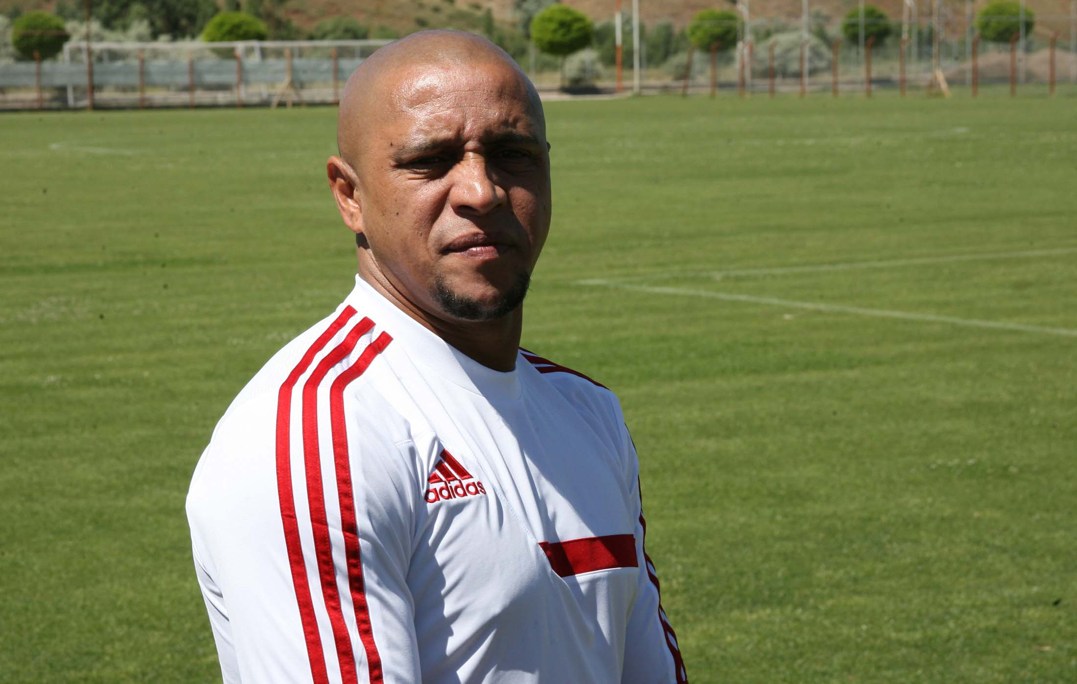 Roberto Carlos torna ad allenare in Turchia