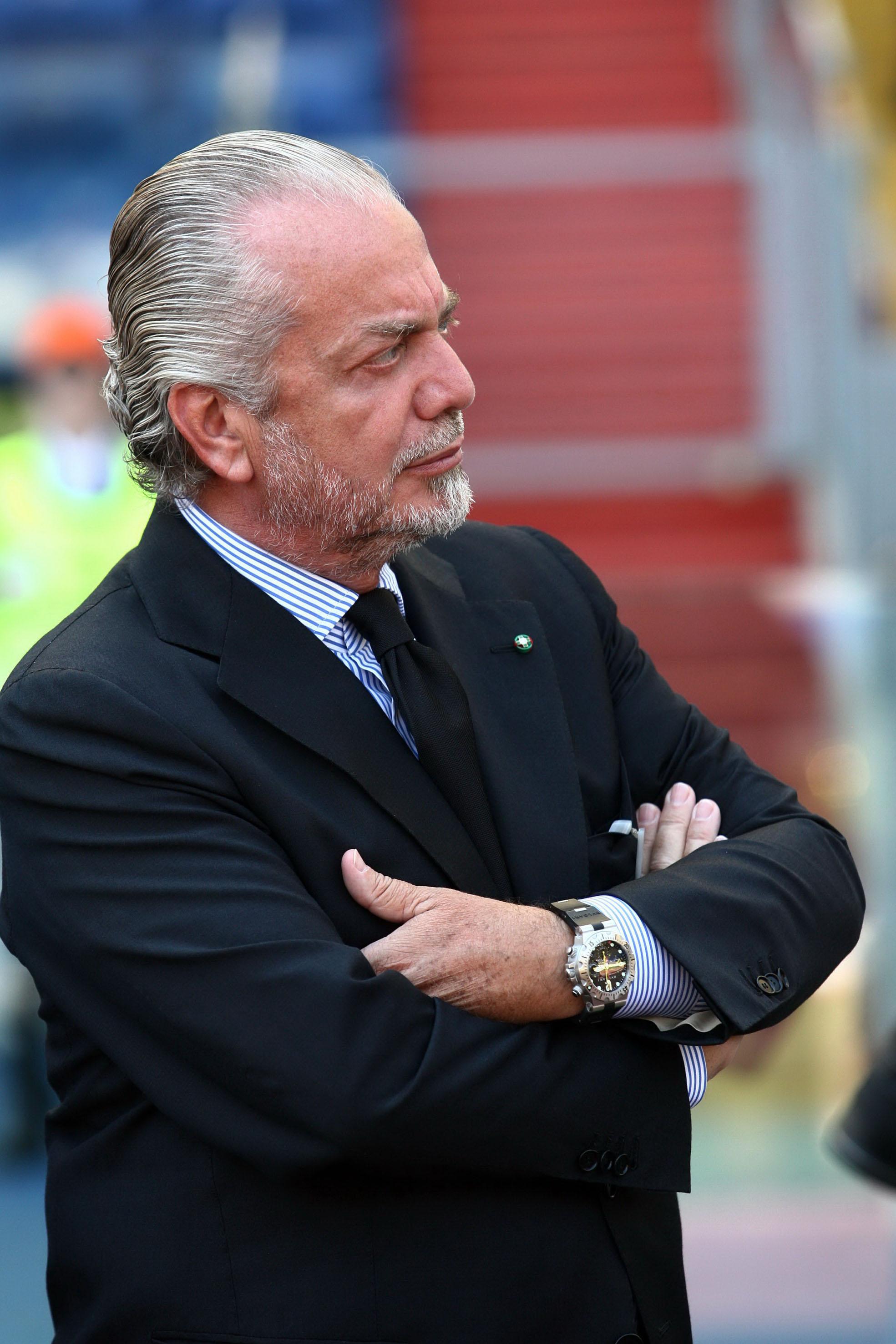In attesa della decisione di Benitez, De Laurentis ha infittito i contatti con Mihajlovic. Intanto spunta un nome nuovo per il mercato: Saponara