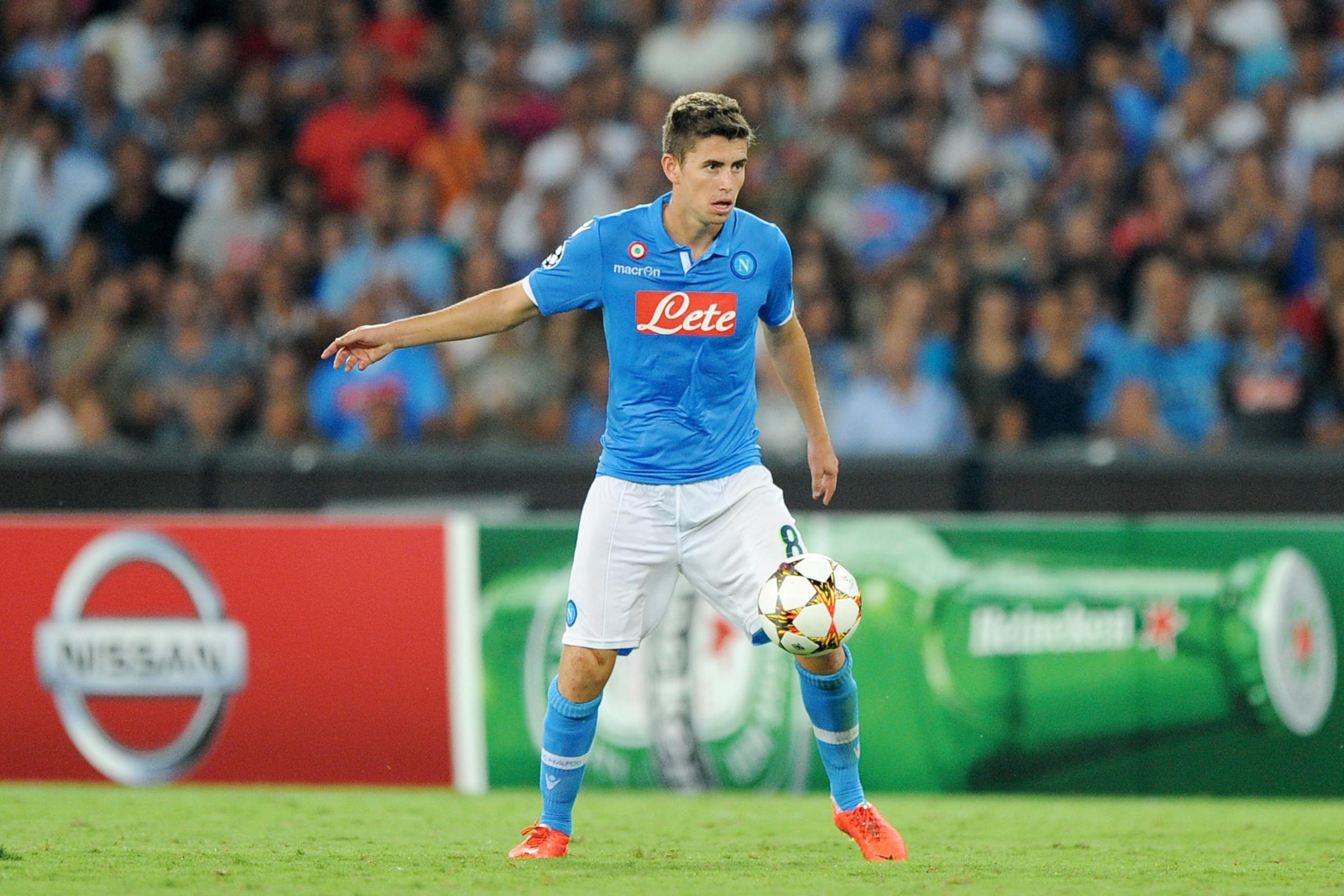 Il Napoli dovrebbe riscattare Jorginho dal Verona dopo le prestazioni dell'italo-brasiliano delle ultime settimane