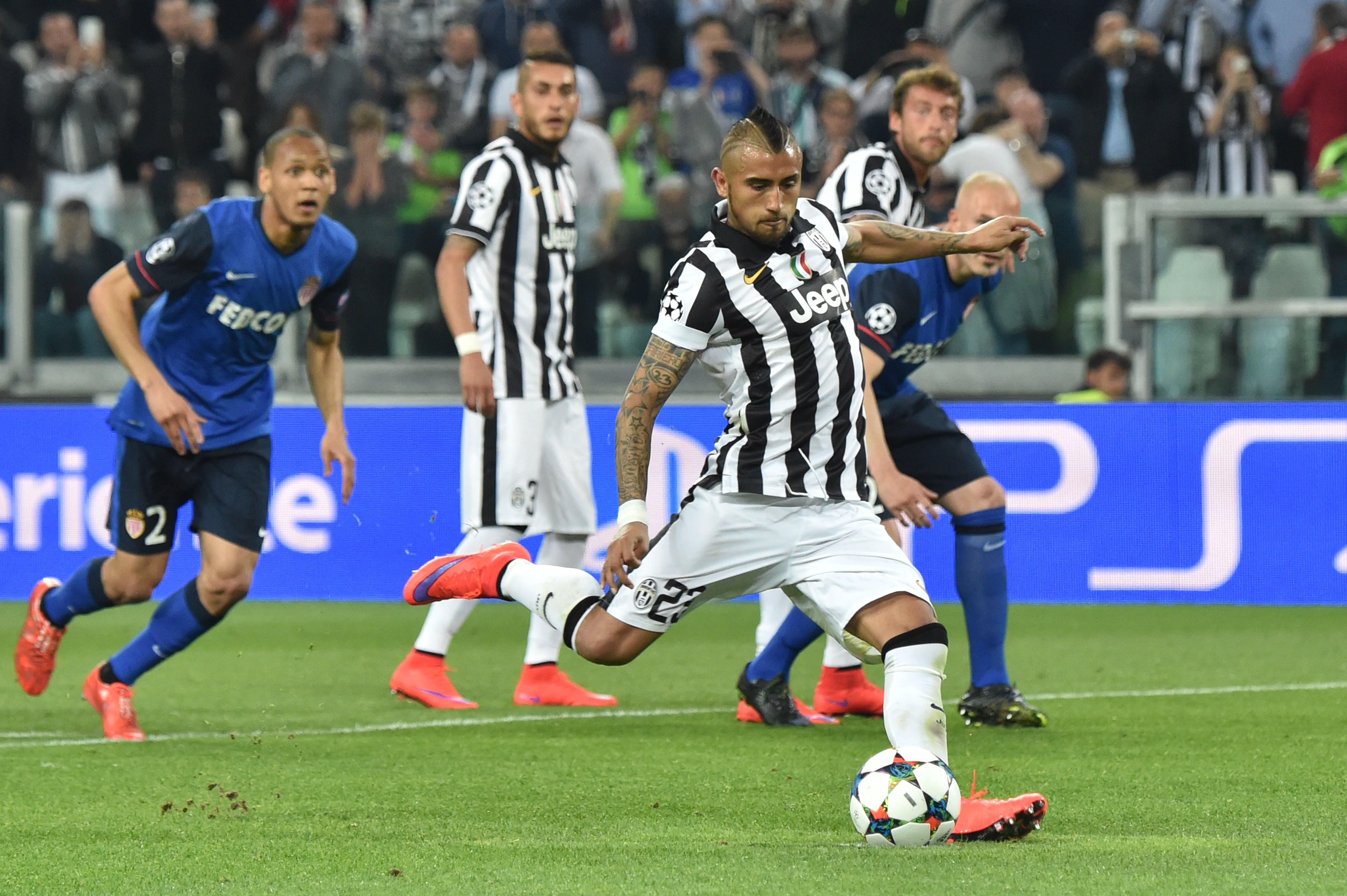 Il rigore di Vidal regala il successo alla Juventus all'andata dei quarti di finale contro il Monaco