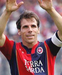 L'addio di Zola al calcio con la sua ultima partita col Cagliari