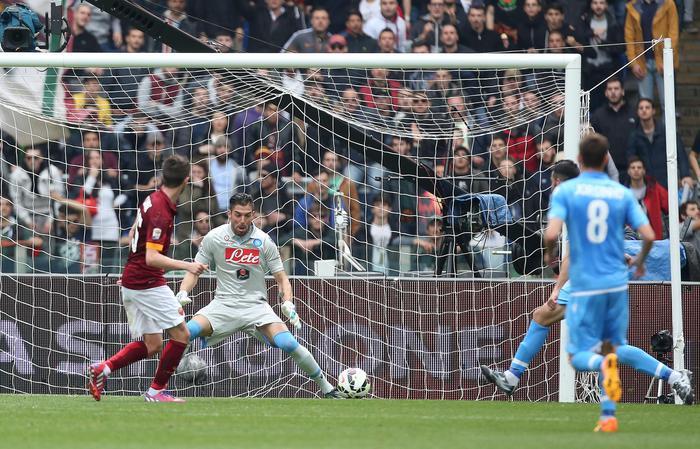 Soccer: serie A, Roma-Napoli