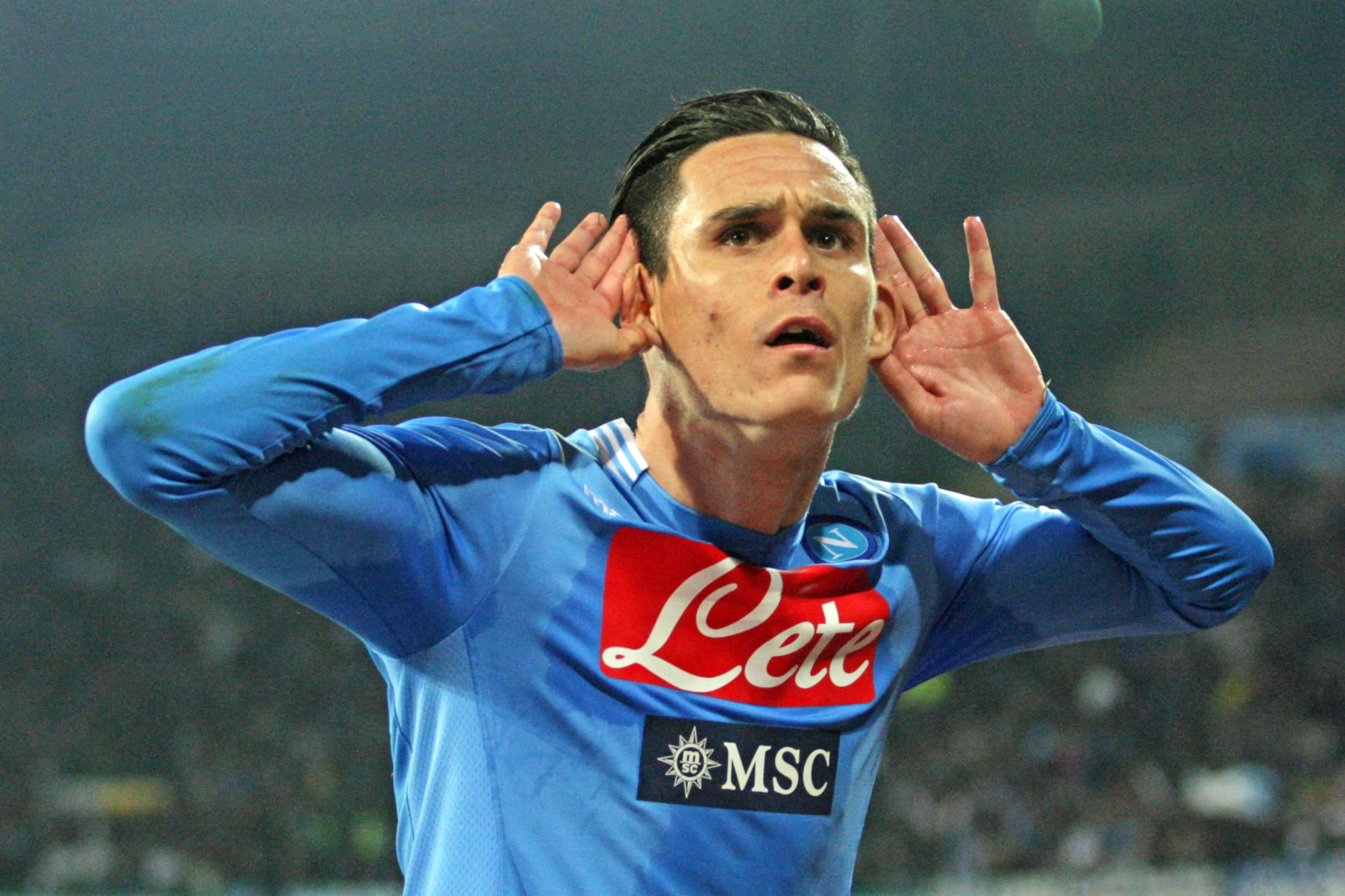 Callejon festeggia il gol col Cagliari