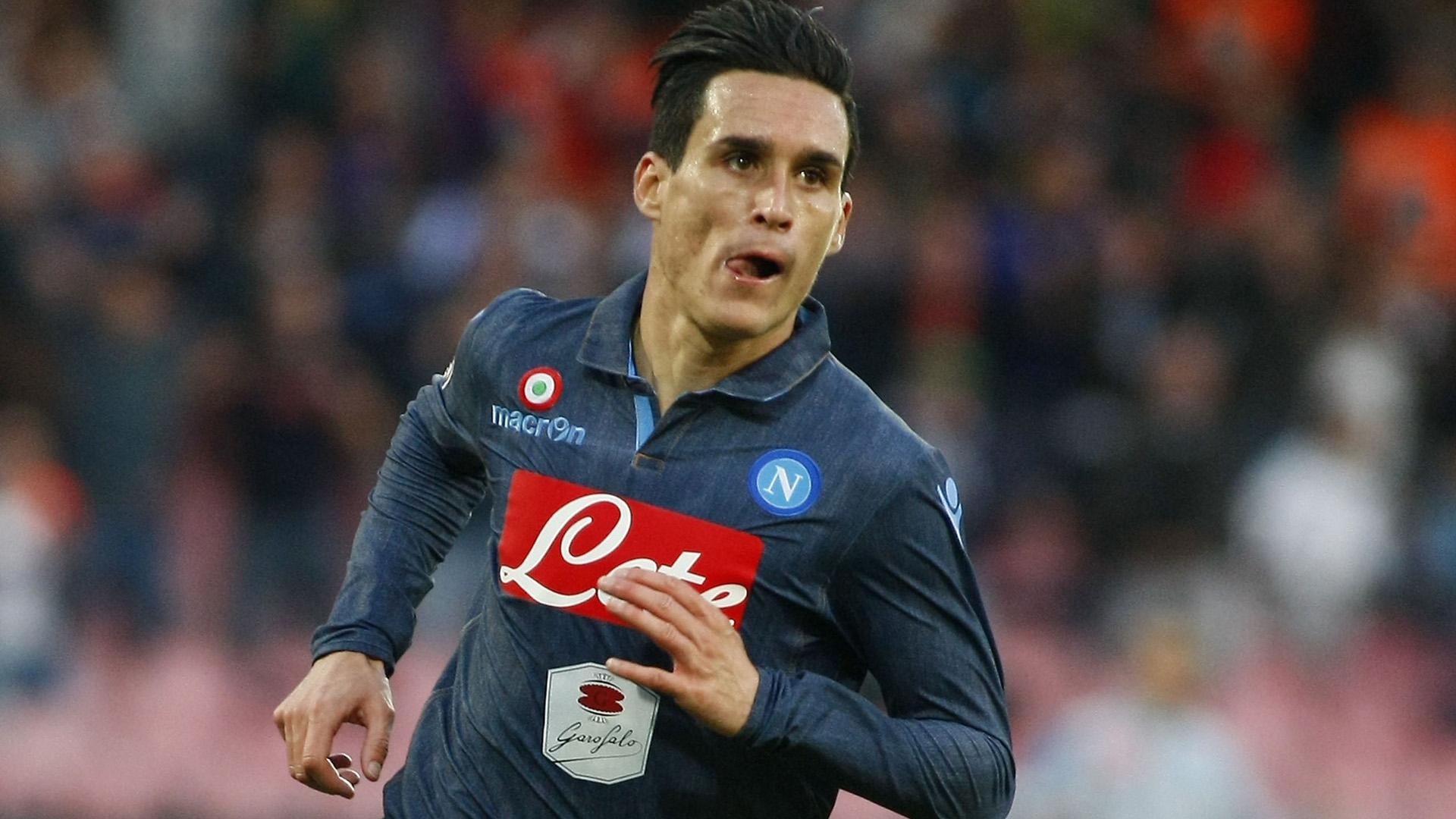 Callejon festeggia il primo gol del Napoli