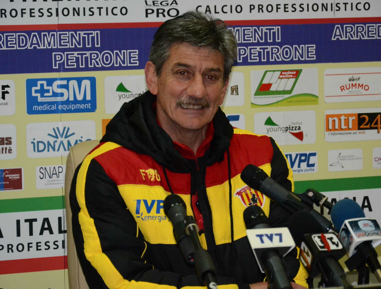 Il Benevento ha esonerato Brini nonostante il secondo posto nel girone C di Lega Pro