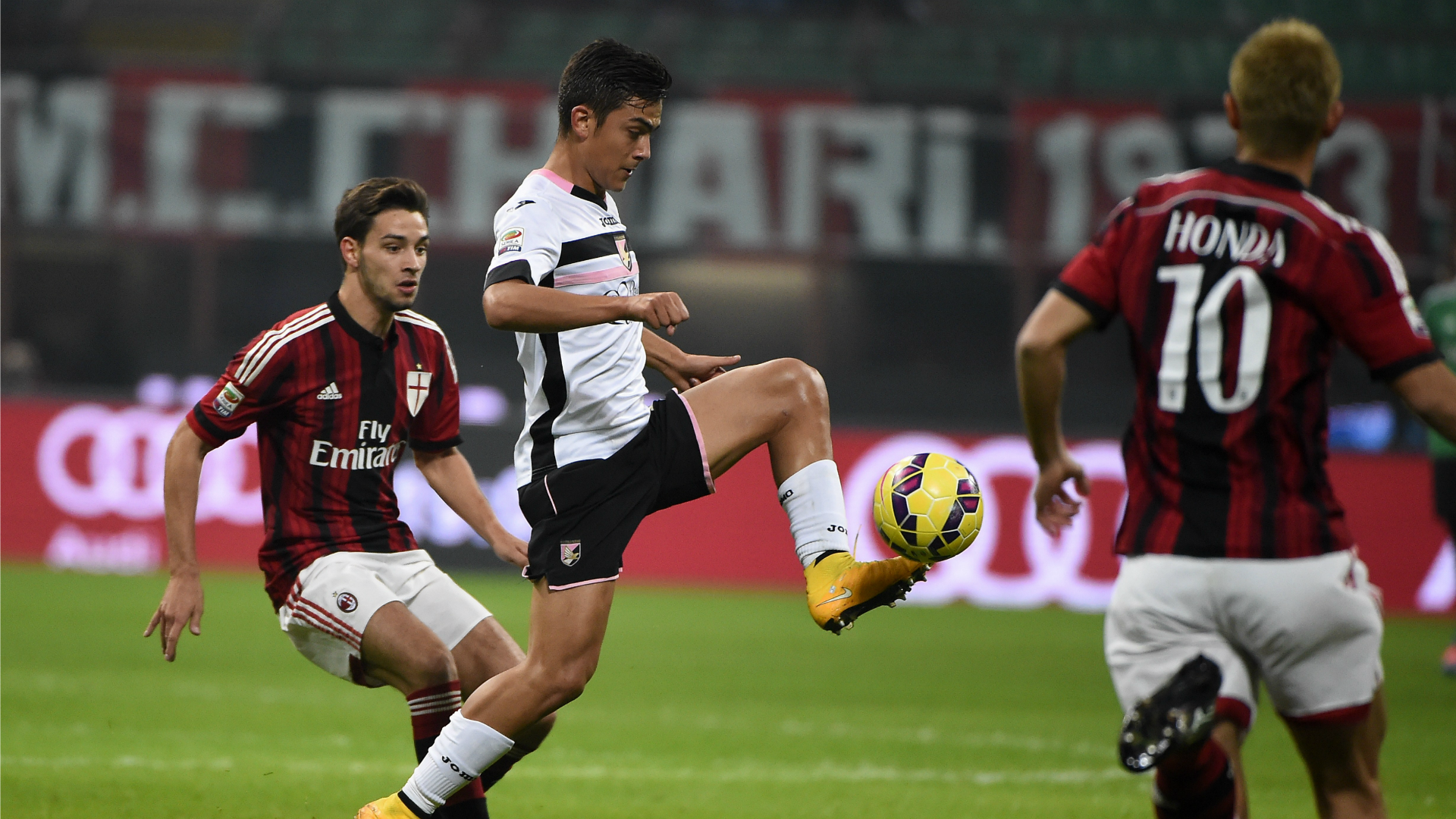 Palermo Milan si sfidano per un'ultima spiaggia verso l'Europa League