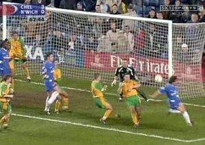 Il famoso gol di tacco di Zola al Norwich