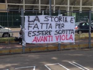 Striscione-Fiorentina-Siviglia-3
