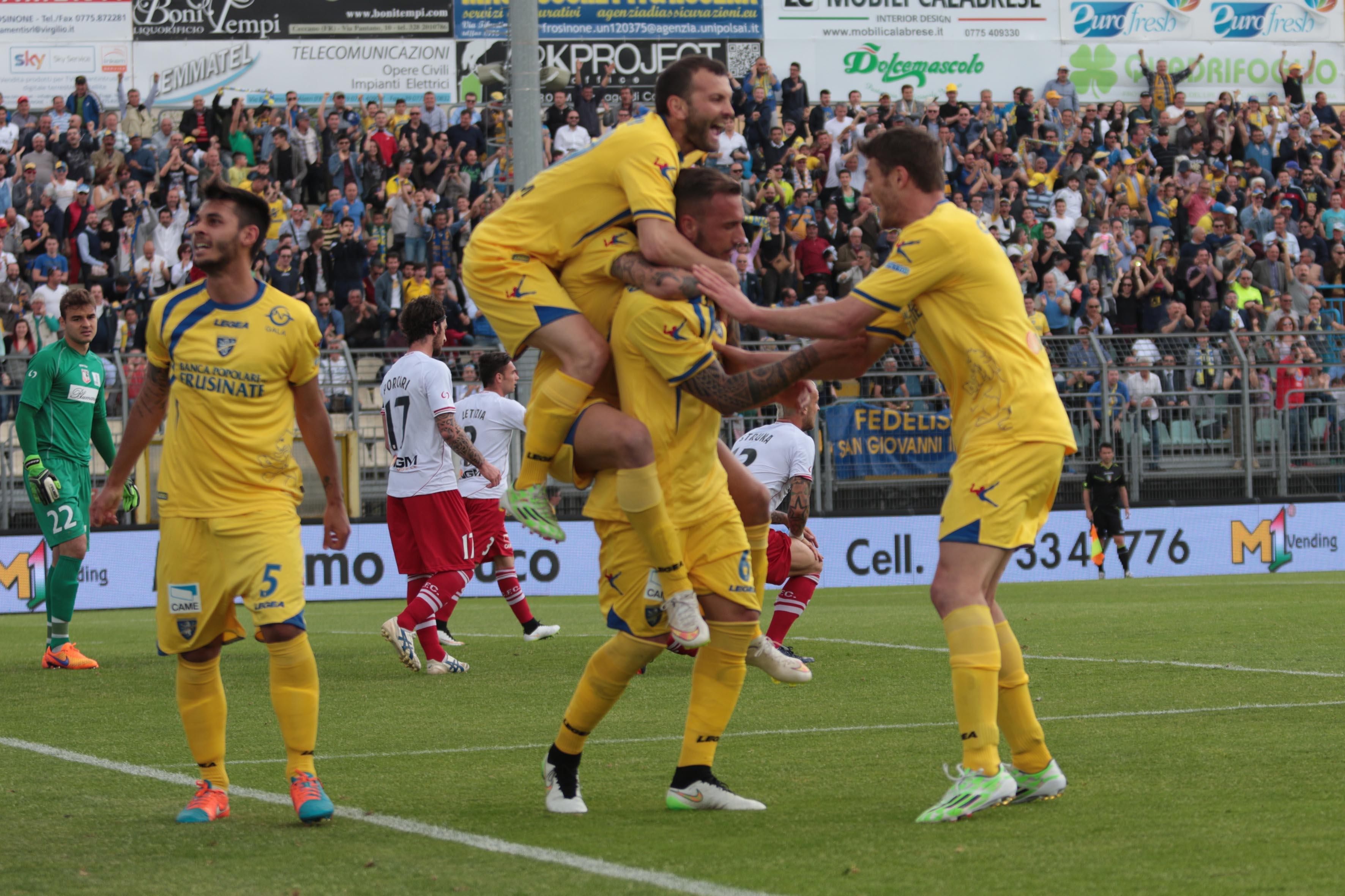 Il Frosinone oggi può festeggiare la storica promozione in Serie A