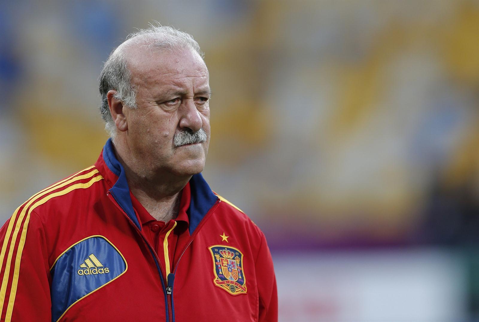 El Seleccionado Español Vicente Del Bosque Antes De La Final Con Italia