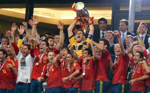 La Nazionale Spagnola festeggia la vittoria del secondo europeo consecutivo