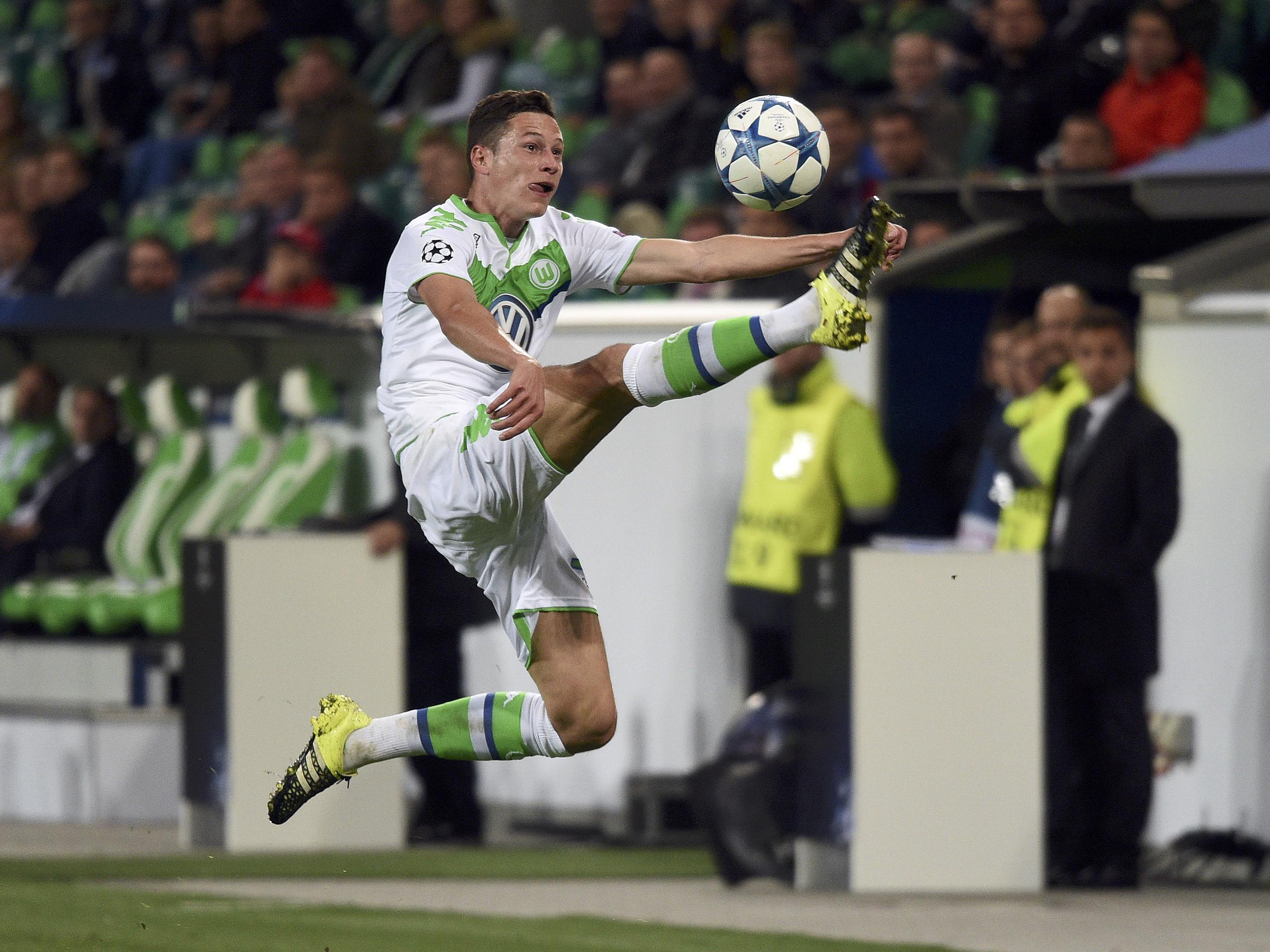 Wolfsburg's Draxler plays the ball against CSKA Moscow during their Champions League group B soccer match in Wolfsburg