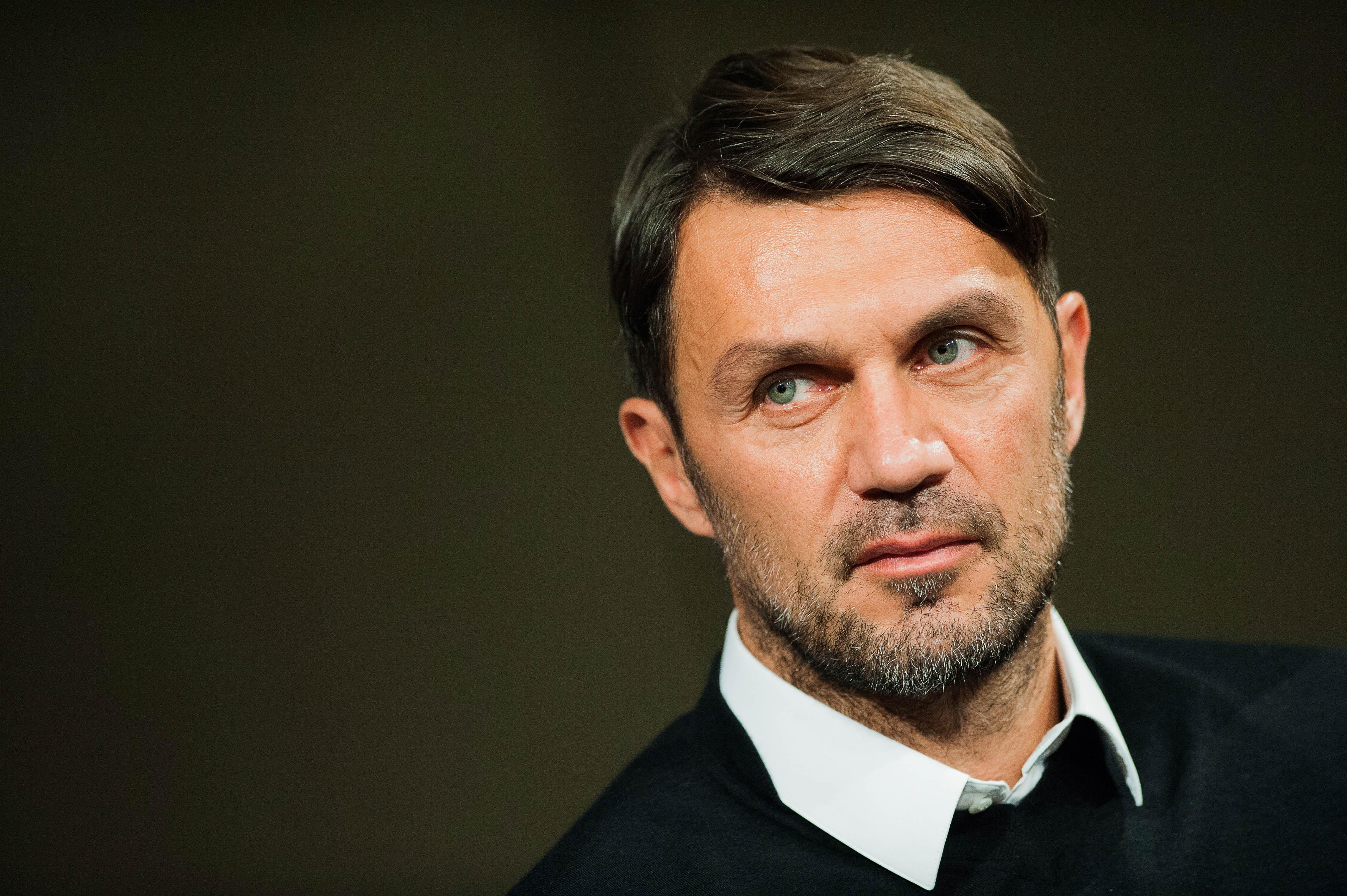 Milan, offerto a Maldini il ruolo di direttore tecnico. Trattativa complicata