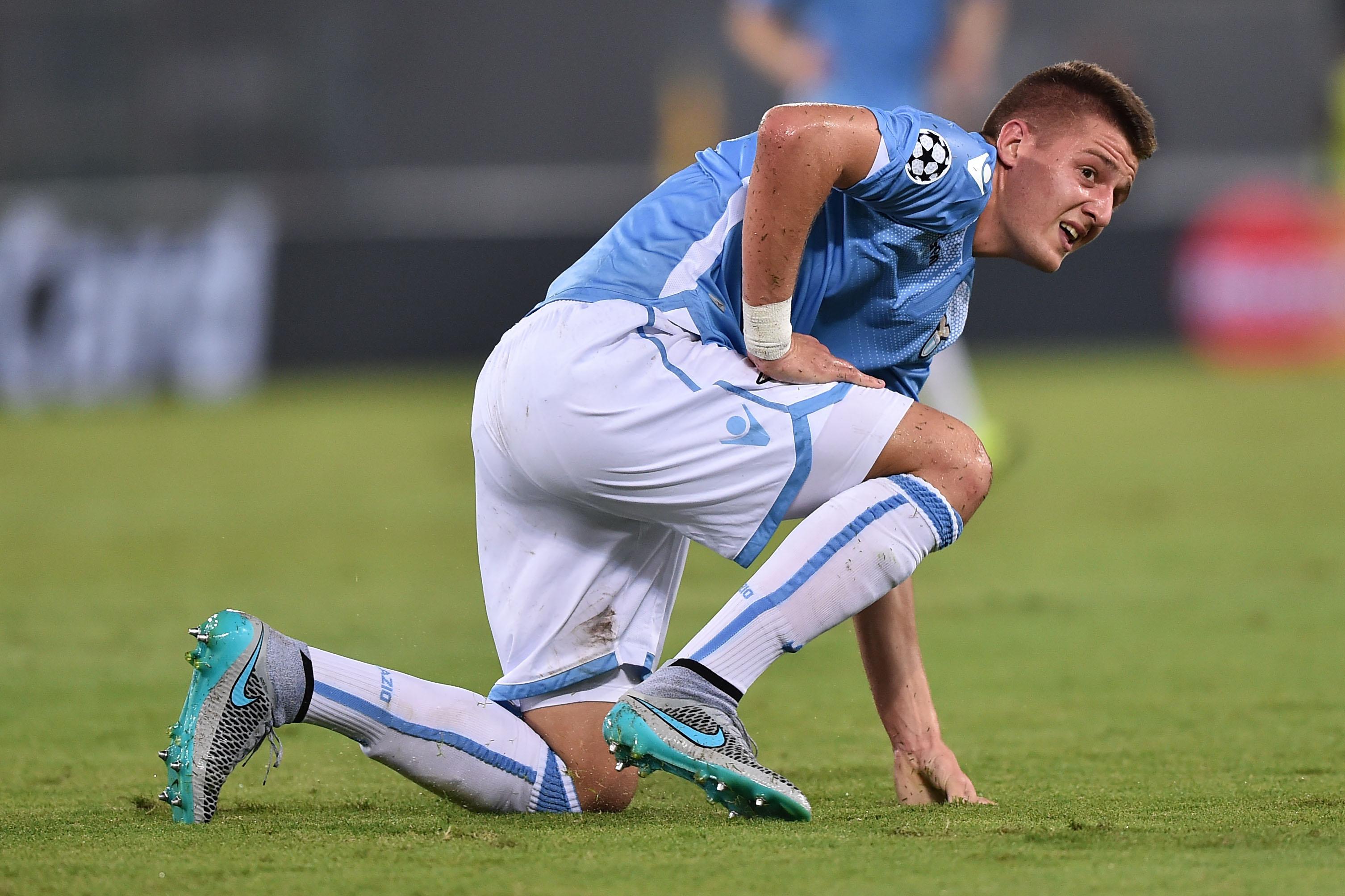 La Lazio soffre ma poi dilaga contro il Genoa: 4-2