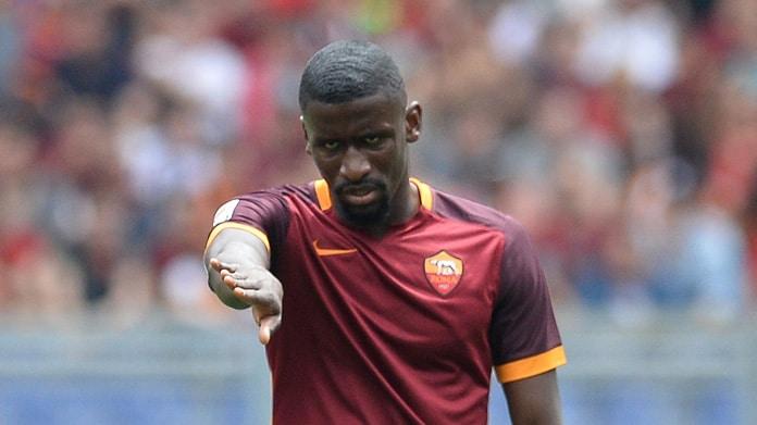 Roma, il Chelsea torna alla carica: Nainggolan e Rudiger nel mirino